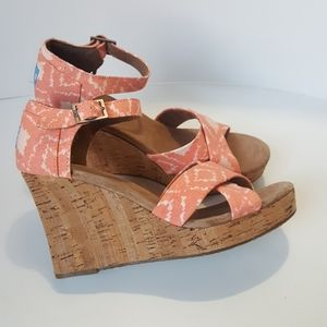 Toms Pink Ikat Wedge Sandals  NWT Size 9